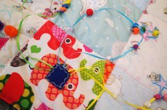 Paturica senzoriala si de joaca pentru bebelusi 4-12 luni, Babymat, 1m x 1m