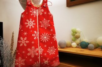 Saculet de dormit clasic (2.5 tog) pentru bebelusi, 0-6 luni, Babymat Handmade, model Craciun rosu